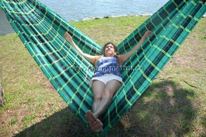 Hängmatta Goiás ligger på tvären i hängmattan