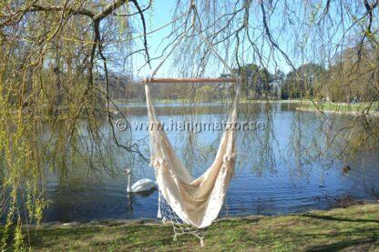 Hängstol Ipanema tom hänger under ett träd