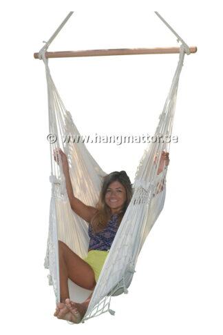 Hängstol Ipanema frilagd stående sitter med benen upp